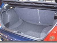 Un particulier enfermé dans le coffre de sa 307 !