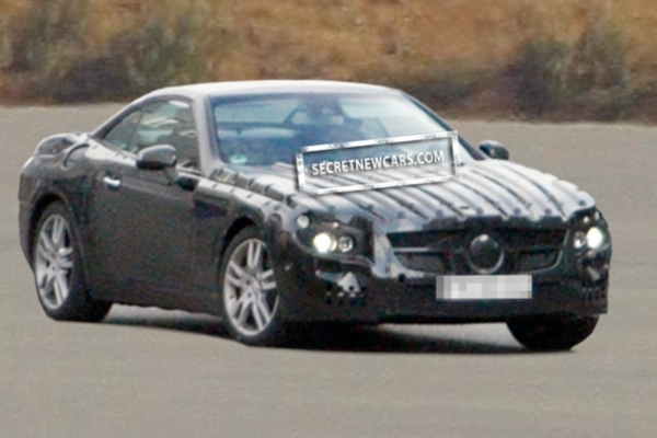 Spyshot : future Mercedes SL, première prise