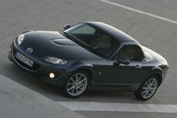 Mazda MX-5 désormais en boîte auto : pour les vieux fans ?