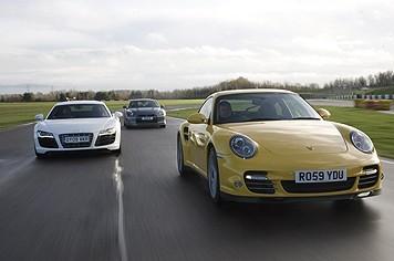 [vidéo] Audi R8 V10, Porsche 911 Turbo ou Nissan GT-R pour Noël ?