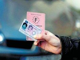 Nouveau permis de conduire: le recul sur la puce donne de l'urticaire
