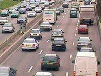 Week-end de chassé-croisé sur les routes : le ministère de l'Ecologie appelle à la prudence