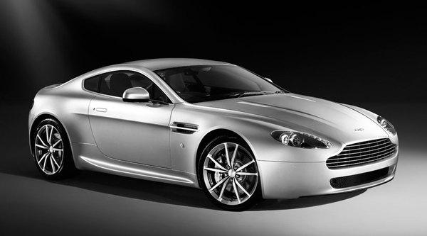 Aston Martin V8 Vantage : quelques toutes petites nouveautés pour le millésime 2010
