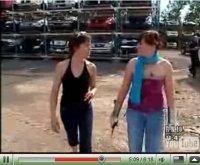 Vidéo : une auto mise à sac !