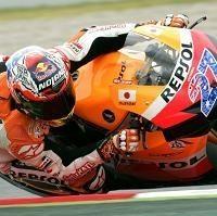 Moto GP - Catalogne D.2: Stoner toujours mais Lorenzo est à l'aspi