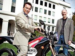 Schwarzenegger annonce une remise de 1500 dollars pour l'achat d'une moto électrique