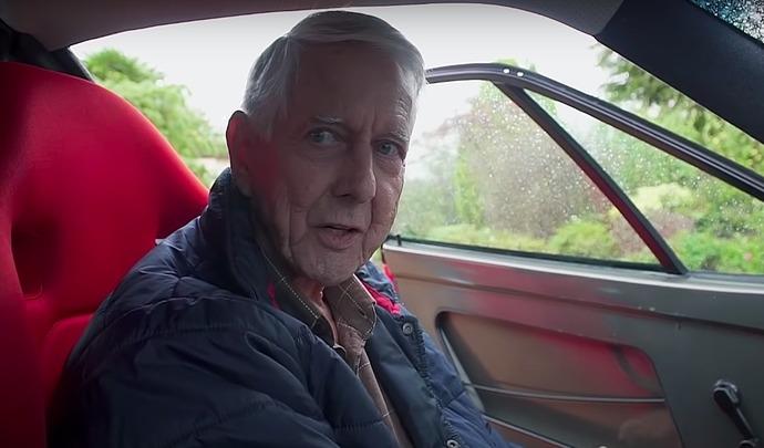 À 80 ans, il conduit sa Ferrari F40 quotidiennement