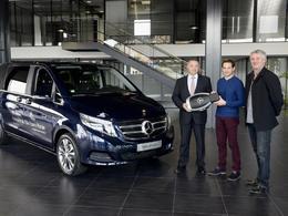 Mercedes offre un Classe V à Renaud Lavillenie