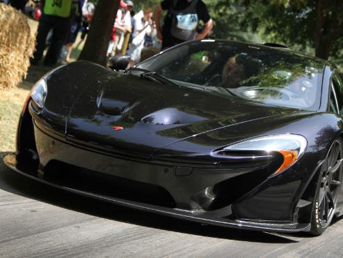 Goodwood 2013 : la montée de la McLaren P1 avec Jenson Button