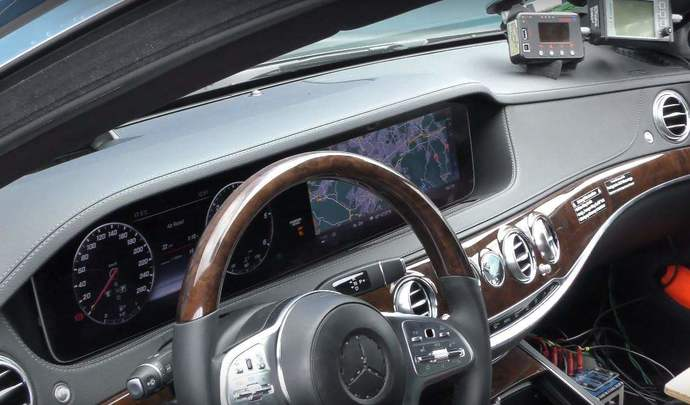Surprise voici l 39 int rieur de la future mercedes classe s for Mercedes classe s interieur