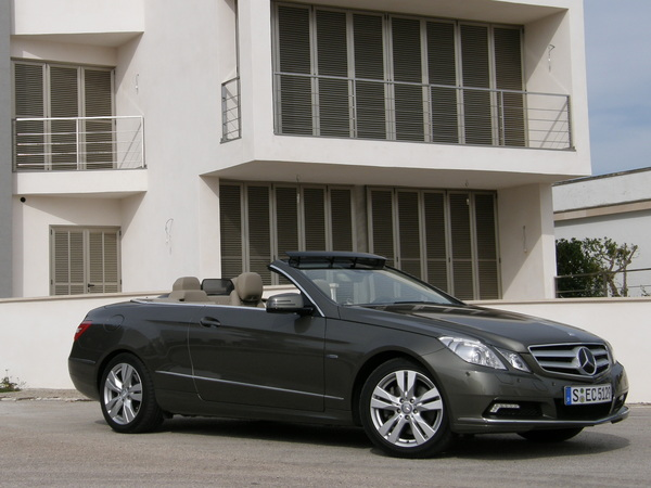 essai mercedes classe e cabriolet le cab clk en beaucoup mieux. Black Bedroom Furniture Sets. Home Design Ideas