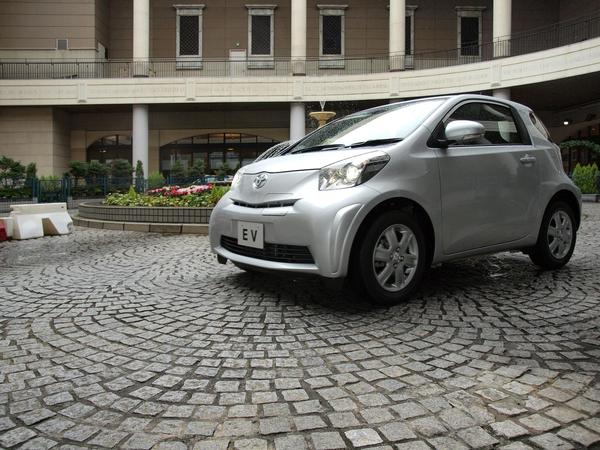 Genève 2011 : une Toyota iQ électrique