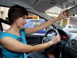 Journée de la Femme: Apprenez-nous à conduire, mesdames !