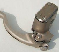 Maître-cylindre Cobapress: moins cher mais toujours aussi Beringer.