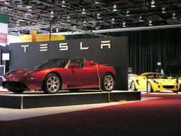 Lotus continuera de fournir des châssis pour Tesla