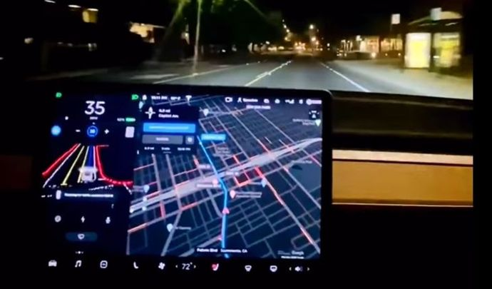 Tesla permet à certains clients d'avoir une voiture totalement autonome