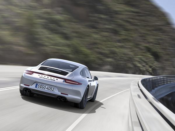 """Future Porsche 911 restylée """"2015"""": uniquement en moteurs """"turbo"""""""