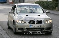 Mystérieuse BMW Série 3: c'est quoi ce bosselage?