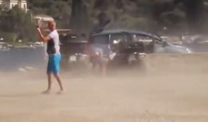 Insolite : le souffle d'un avion arrache le hayon d'un Peugeot 5008