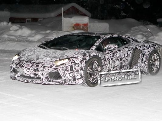 Spyshot : la Lamborghini Aventador sur la neige