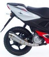 Leo Vince apporte une touche de GP à votre Yamaha Aerox!