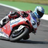 Superbike - Misano D.1: Le duel s'engage entre Checa et Biaggi