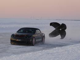 Juha Kankkunen à 330 km/h en Bentley Continental Supersports sur la glace