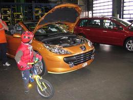 Une visite à vélo de l'usine PSA Peugeot Citroën de Sochaux !