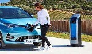 Voitures électriques: les ventes décollent mais il n'y a pas assez de bornes de recharge