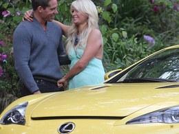 Pour ses 30 ans, Paris Hilton a reçu une Lexus LFA à 375 000 dollars