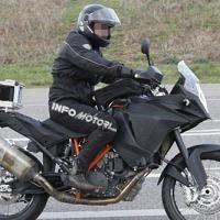 Actualité Moto - KTM: Un peu plus de détails sur la prochaine Adventure 1290