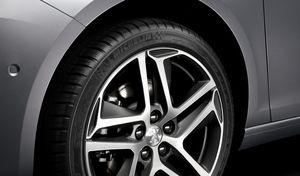 Michelin et Peugeot sont les entreprisespréférées des Français