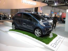 En direct du Salon de Francfort : la Peugeot iOn électrique