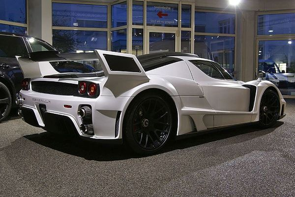 Gemballa MIG-U1 sur base Ferrari Enzo : space mountain