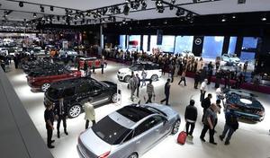 La question qui tue – Visiter le Mondial de l'Automobile, est-ce un acte militant?