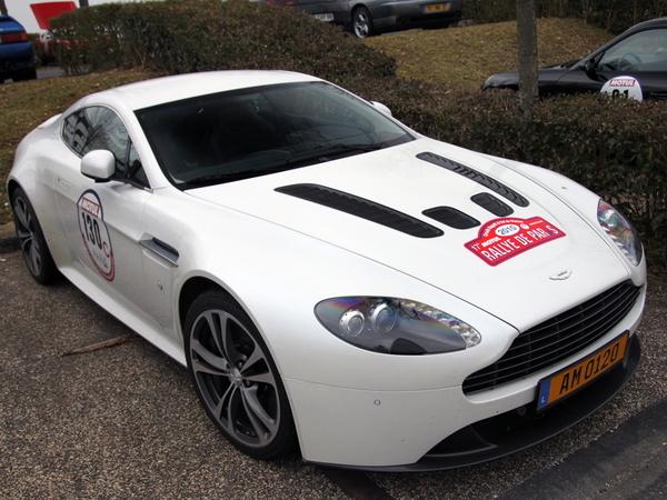 Photo du jour : Aston Martin V12 Vantage