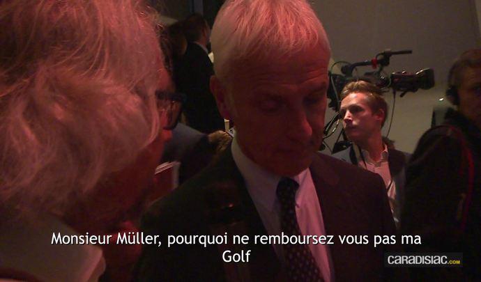 """Mondial de l'Auto 2016 - La question qui fâche à Mathias Müller, PDG du groupe Volkswagen :""""Pourquoi ne remboursez-vous pas ma Golf, comme vous l'avez fait aux Etats-Unis?"""""""