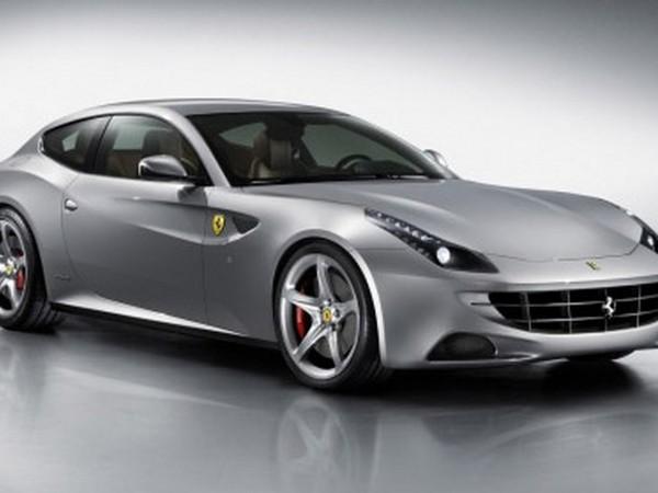 Les premières Ferrari FF et Mercedes SLS AMG Roadster seront vendues aux enchères