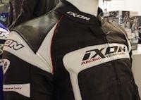 """Salon de Milan en direct: Ixon, une gamme """"sport"""" à prix doux"""