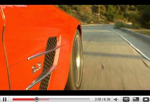 Réveil Auto - Jay Leno au volant de la Mercedes SLS sur les hauteurs de Los Angeles