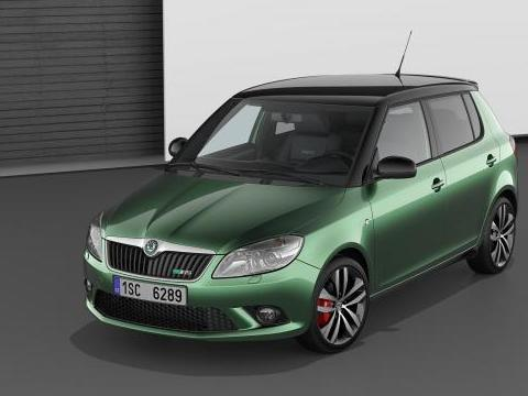 vid o la skoda fabia rs fait sa pub. Black Bedroom Furniture Sets. Home Design Ideas
