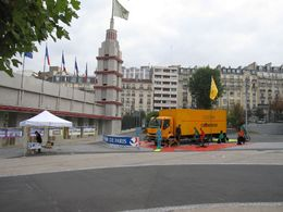 En direct du Salon du Cycle 2009 : un stand de démonstration dédié à la sécurité des usagers de la route