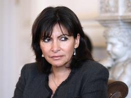 """Anne Hidalgo : """"je veux réduire la place du diesel à Paris"""""""