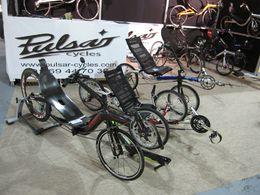 En direct du Salon du Cycle 2009 : essayez les vélos couchés, tricycles et tandems de Pulsar-Cycles !