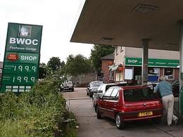 Les véhicules non assurés vont-ils pouvoir continuer à faire le plein en Angleterre ?