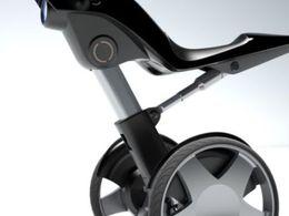 En selle avec le Taurus, véhicule mi-segway mi-scooter mais 100% électrique