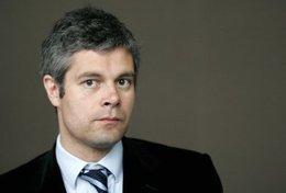 Délocalisations et suppressions d'emplois : Laurent Wauquiez veut faire payer les constructeurs français !