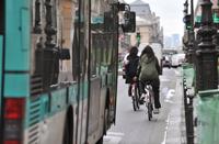 """Le Trophée du Vélo 2009 remis à La RATP pour son action """"Bus et vélo : mieux rouler ensemble"""""""