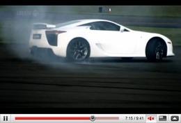 Réveil Auto - Top Gear : une magnifique Lexus LF-A (en travers) et un horrible BMW X6 (embourbé)