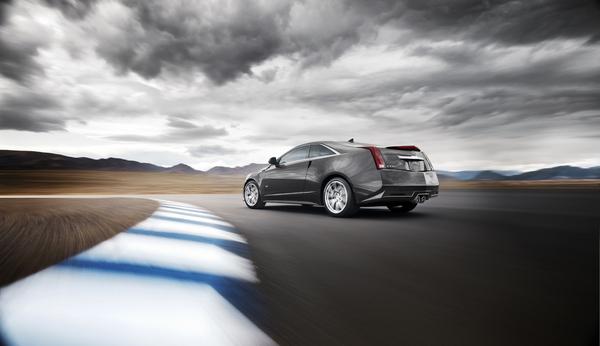 Cadillac CTS-V Coupé: Les 1ères photos officielles